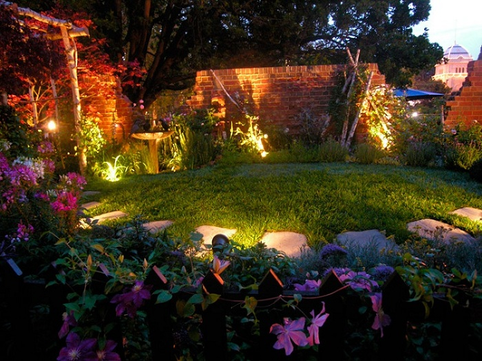 Advantages and characteristics of Solar garden lights